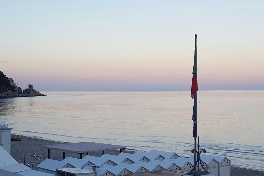Tramonto sul mare ad Alassio.