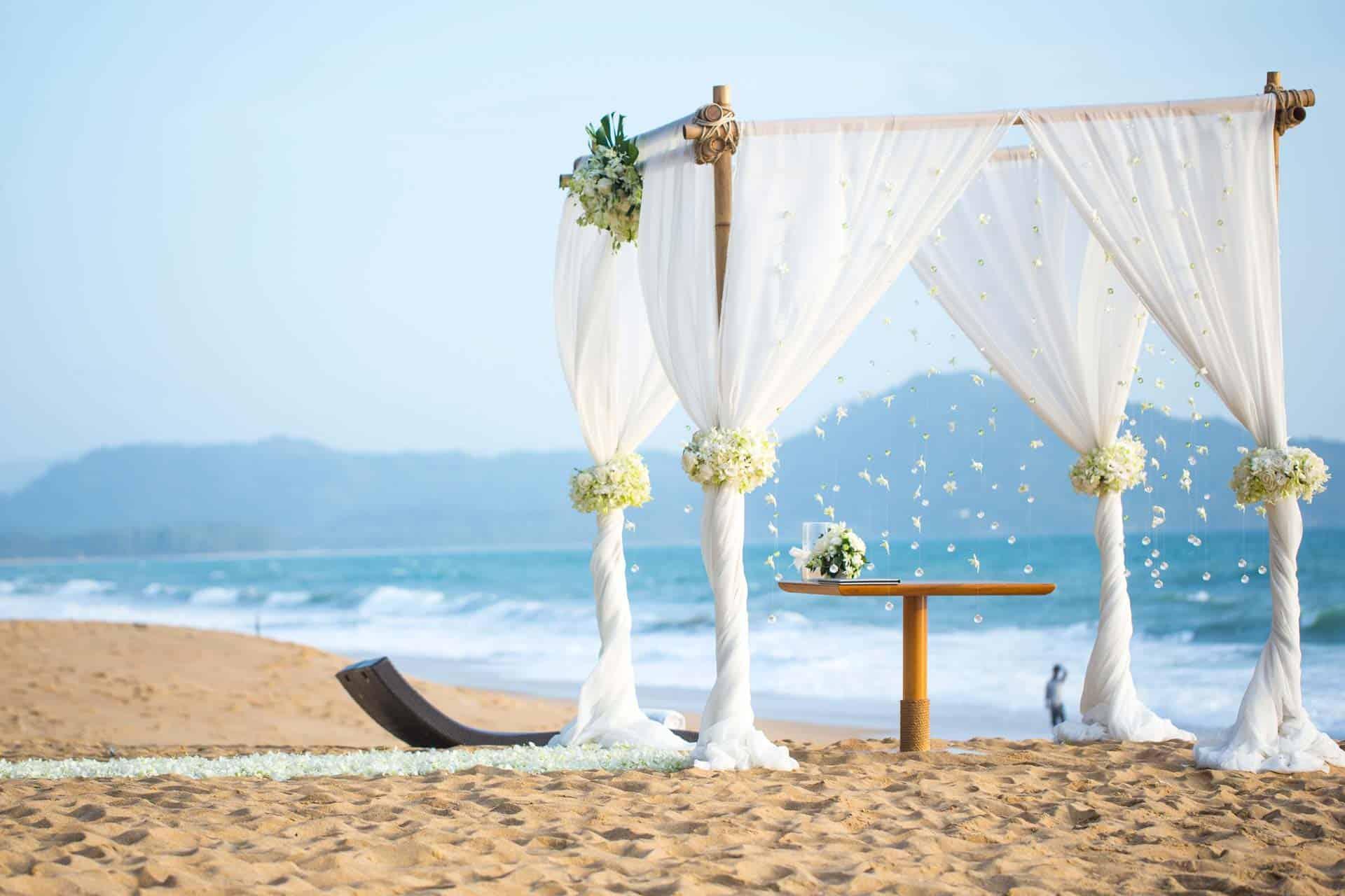 Matrimonio Spiaggia Alassio : Hotel alassio stelle fronte mare regina